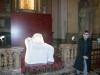 """Lucia Fiaschi accanto a La """"Pietà"""" di Micciano, di Venturino Venturi."""