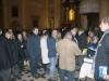 """La """"Pietà"""" di Micciano, di Venturino Venturi a Mendrisio, il pubblico in sala riceve in omaggio la brochure dell'evento."""